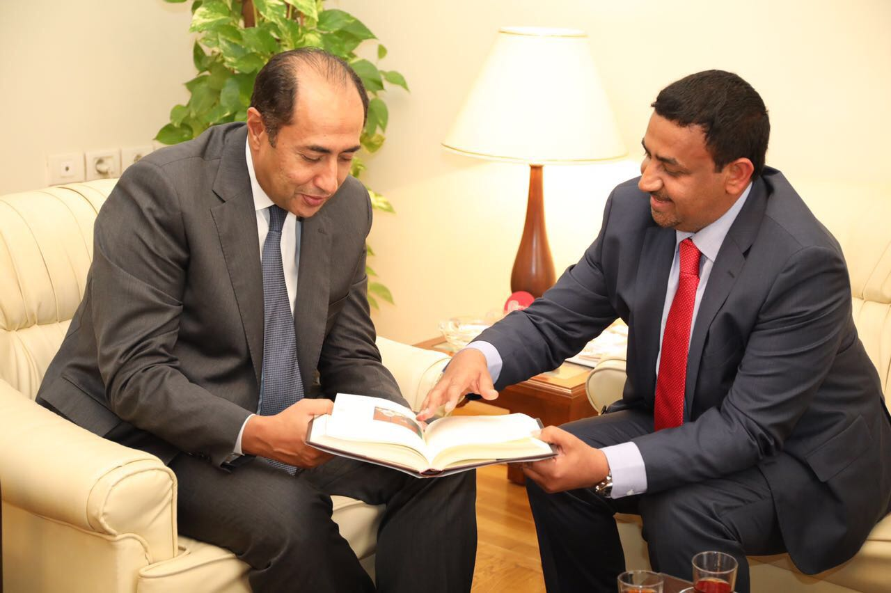 حمدان الكعبي يلتقي الأمين العام المساعد لجامعة الدول العربية