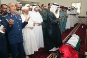 راشد الشرقي يؤدي صلاة الجنازة على شهيد الوطن علي المسماري