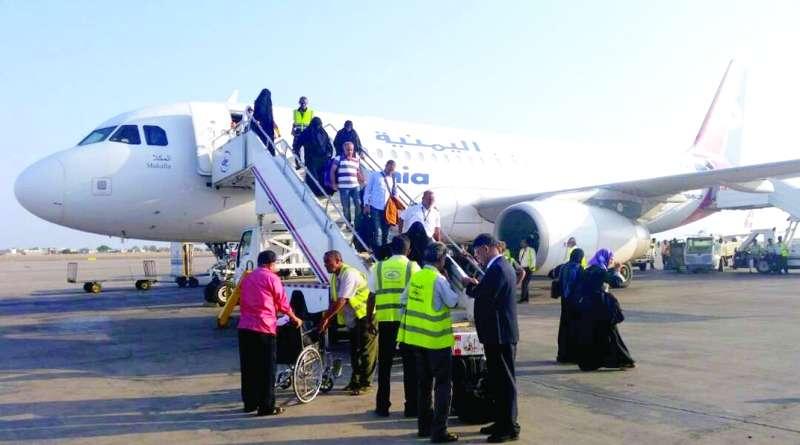 عودة 29 جريحاً يمنياً تلقوا العلاج في الهند على نفقة الإمارات