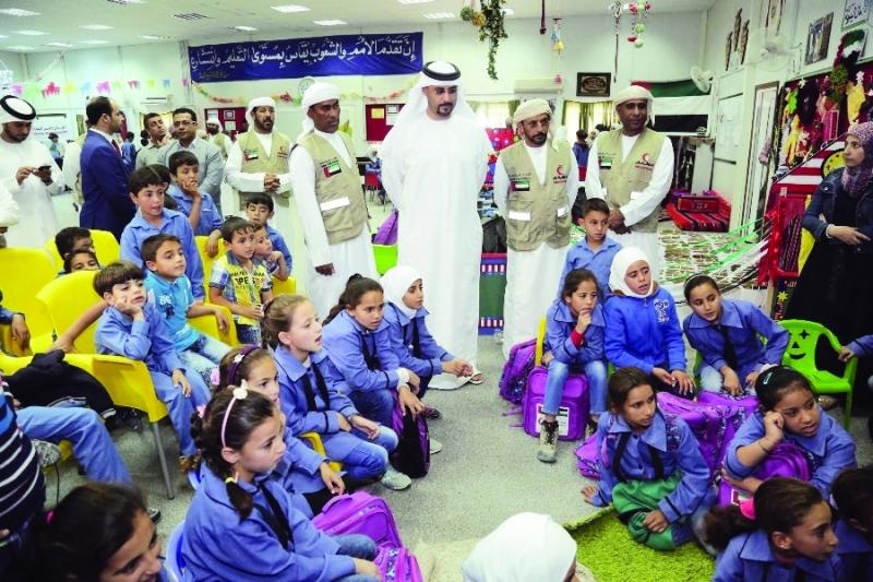 3000 كتاب من «منح المعرفة» للمخيم الإماراتي الأردني للاجئين