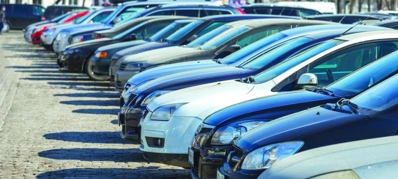 لا «قيمة مضافة» على بيع السيارات بين الأفراد