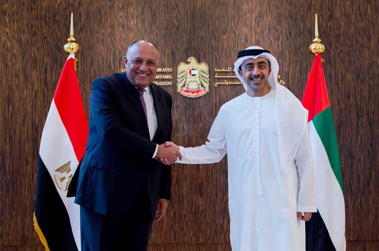 عبدالله بن زايد يستقبل وزير الخارجية المصري