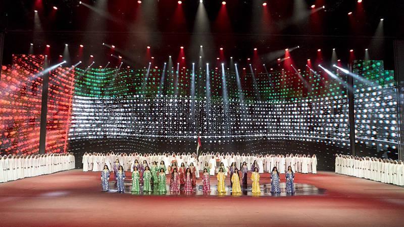 محمد بن راشد ومحمد بن زايد والحكام يشهدون الاحتفال الرسمي باليوم الوطني الـ46