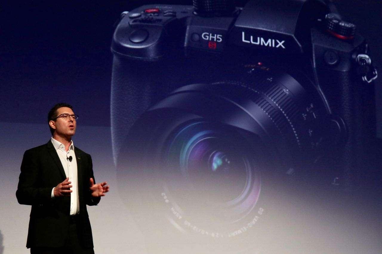 باناسونيك تطرح «LUMIX G9» كاميرا أحادية العدسة بدون مرايا