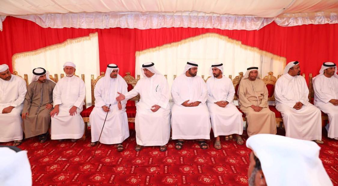 حاكم الفجيرة يقدم واجب العزاء في وفاة سلطان راشد حسن الحمودي