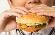 الوجبات السريعة تراكم الدهون على كلى الأطفال
