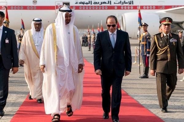 محمد بن زايد يصل إلى القاهرة في زيارة رسمية