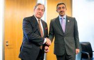 عبدالله بن زايد يلتقي نائب رئيس الوزراء وزير خارجية نيوزيلندا