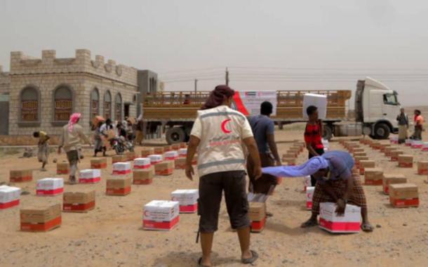 الهلال الأحمر الإماراتي يواصل مساعداته لأهالي التحيتا بالحديدة