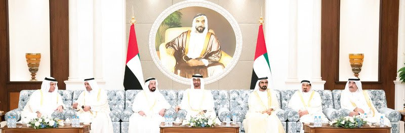 محمـد بن راشد ومحمد بن زايد يستقبلان الحكام وأولياء العهـود ونـواب الحكام بمناسبة عـيد الأضحى