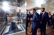 عبدالله بن زايد يدشّن قاعة الشيخ زايد في المتحف البريطاني