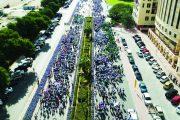 حصة بوحميد تتقدم مسيرة «دبي العطاء» من أجل التعليم بمشاركة 15 ألف شخص