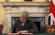 رئيسة الوزراء البريطانية تعرض استقالتها مقابل التصويت لـ
