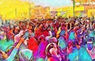 ساحة الإعتصام بالخرطوم .. معرض فني جاذب