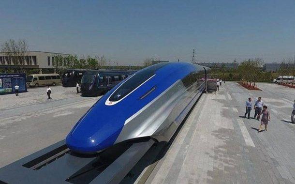 الصين تتحدى نفسها والعالم.. قطار