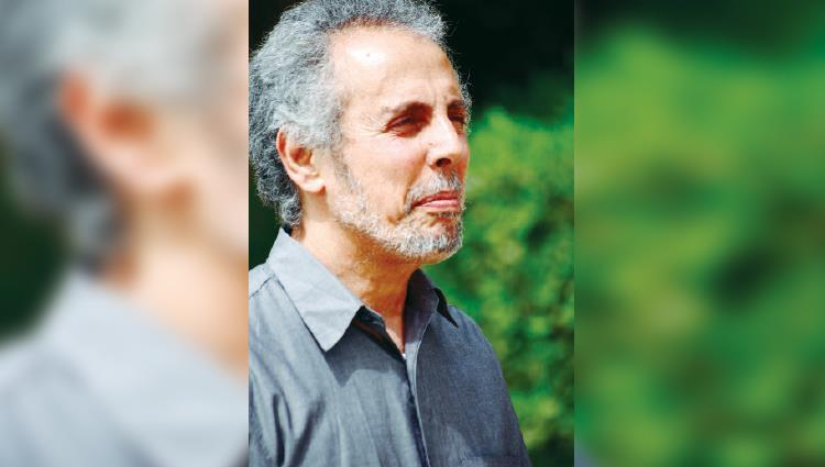 رحيل الشاعر والناقد العراقي فوزي كريم