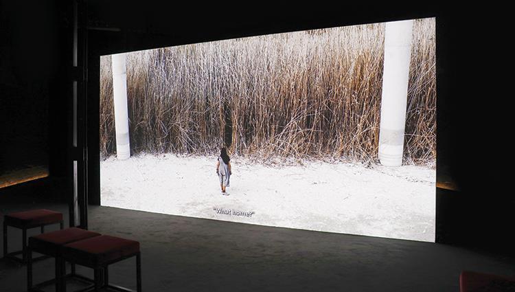 الجناح الوطني للإمارات يكشف النقاب عن العمل التجهيزي «عبور» في بينالي البندقية