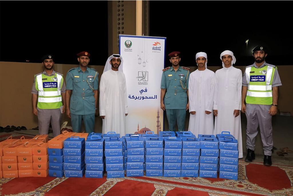 شرطة الفجيرة تنظم مبادرات بمناسبة يوم زايد للعمل الإنساني