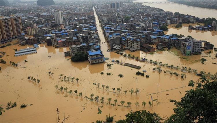 61 قتيلاً جراء السيول والأمطار الغزيرة في الصين