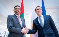 عبدالله بن زايد يلتقي وزير خارجية قبرص ورئيس برلمانها