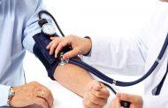 هل ضغط الدم وصل مرحلة الخطر؟.. علامات على الوجه لا تتجاهلها