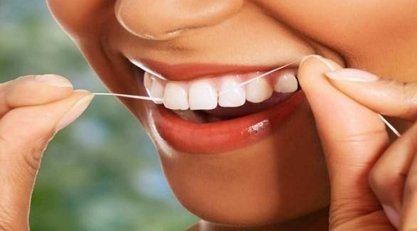 لهذا السبب عليك استخدام خيوط تنظيف الأسنان يومياً