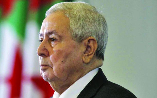 الرئيس الجزائري يصل إلى القاهرة