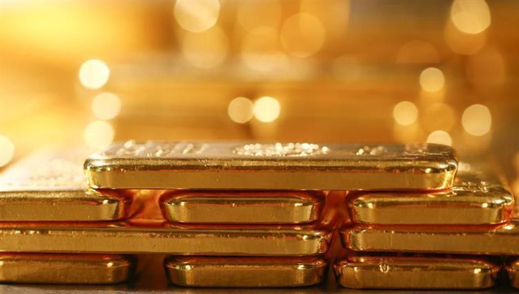 الذهب يبلغ أعلى مستوى في أكثر من 6 سنوات