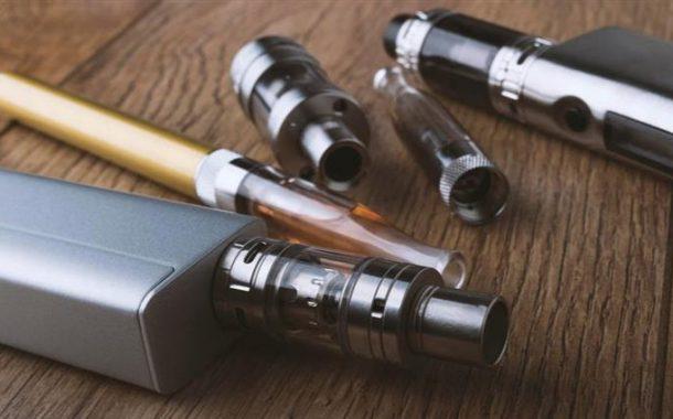 ارتفاع أمراض الرئة المرتبطة بالسجائر الإلكترونية في أميركا