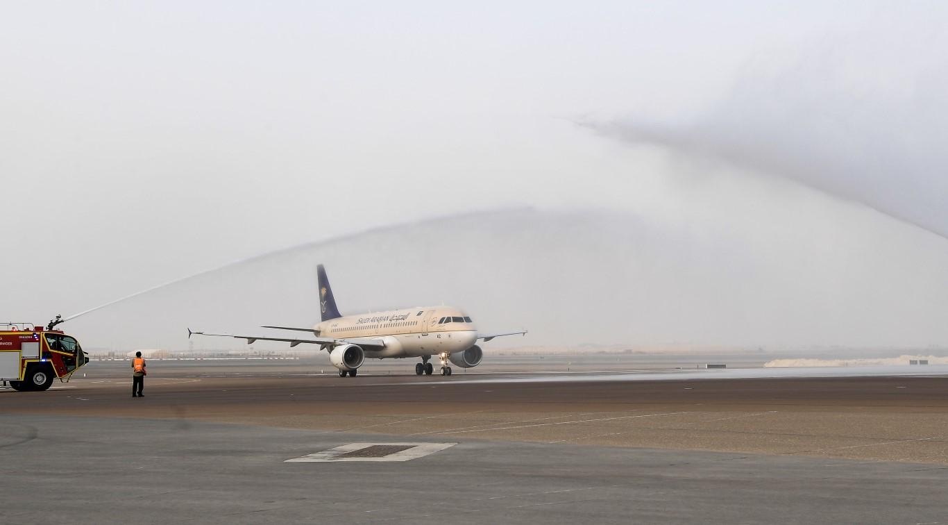 مطار أبوظبي يستقبل إحدى أولى الرحلات القادمة من مطار الملك عبدالعزيز الجديد