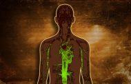 هذه الأعراض تخبرك أن جسمك مليء بالسموم