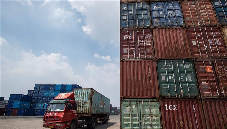 الصين تعلن إعفاء سلع أميركية من الرسوم الإضافية