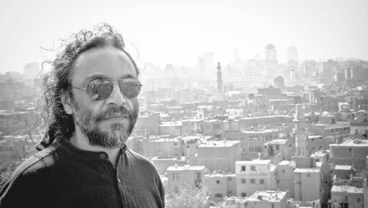 فتحي سلامة: أتمنى تقديم تراث الإمارات الفني برؤية جديدة