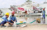إزالة آثار الأمطار والرياح في الفجيرة و«الشرقية»