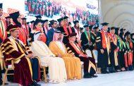 حاكم عجمان يشهد حفل تخريج الدفعة الـ16 من طلبة جامعة الخليج الطبية
