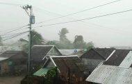 إعصار يجتاح الفلبين ويعطل السفر والعمل
