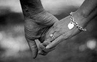 عاشا معاً 65 عاماً .. وتوفيا في يوم واحد