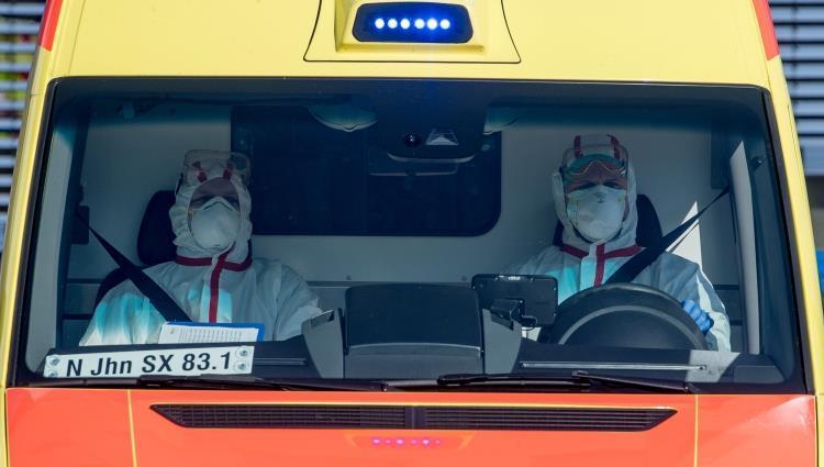 مدير الدفاع المدني الإيطالي يعاني من حمى ويخضع لفحص كورونا