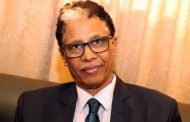 أول وزير سوداني يخضع للعزل الشخصي