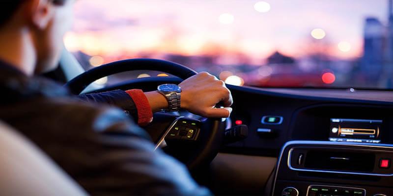 ترك المعقمات البخاخة في السيارات خطر يجب تفاديه