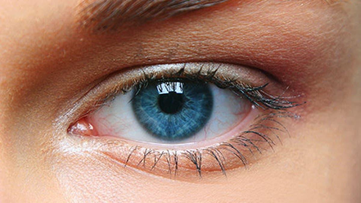 علامة في عينيك قد تدل على نقص فيتامين ب 12