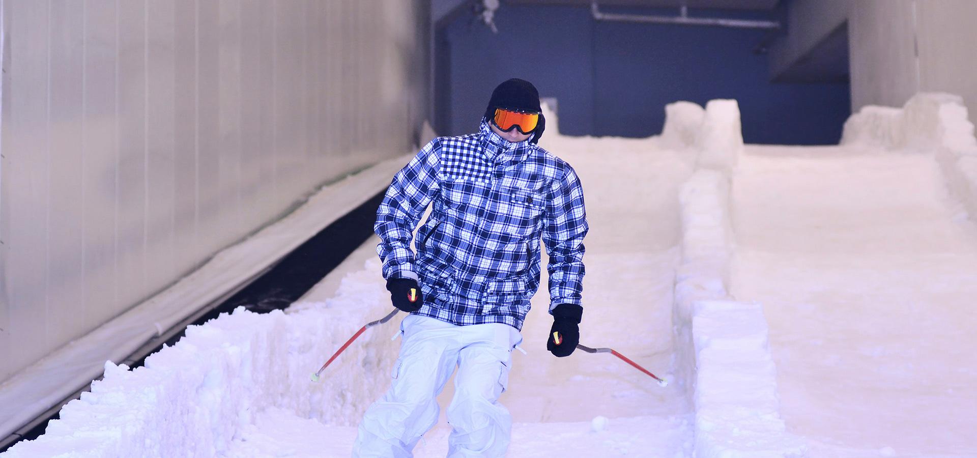 مول الإمارات يحتضن مسابقتي التزلج 15 أغسطس المقبل