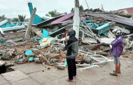 إصابة المئات في زلزال قوي بإندونيسيا