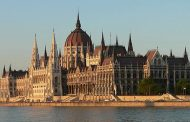 الموافقة على تمديد حالة الطوارىء في المجر للحد من تفشي كورونا