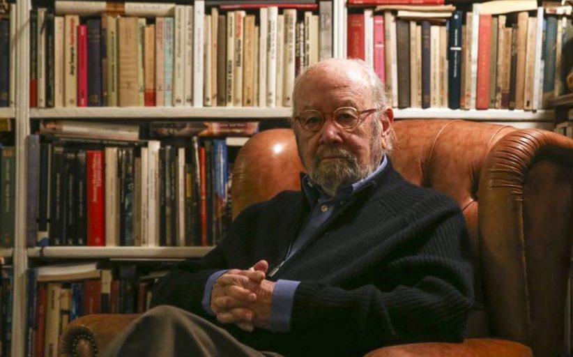 وفاة الروائي والشاعر الإسباني خوسيه مانويل كاباييرو