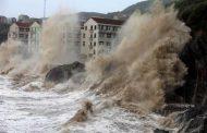 كورونا والإعصار.. ضربة مزدوجة مروعة تضرب الهند