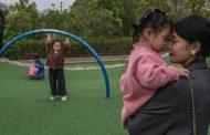 الصين تسمح لكل زوجين بإنجاب 3 أطفال وتؤخر التقاعد