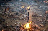 في الهند.. سيدة تعود إلى المنزل بعد أيام من حرق جثتها