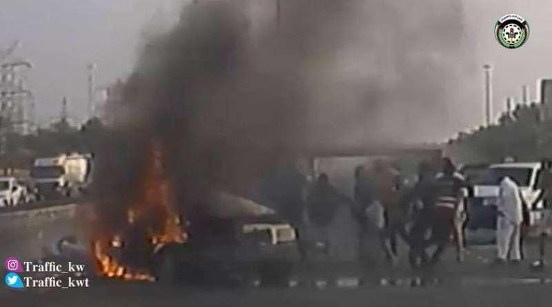 شرطي ينقذ حياة شخص قبل لحظات من انفجار مركبته