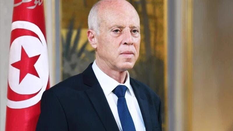 الرئيس التونسي يعفي وزراء الدفاع والداخلية والعدل